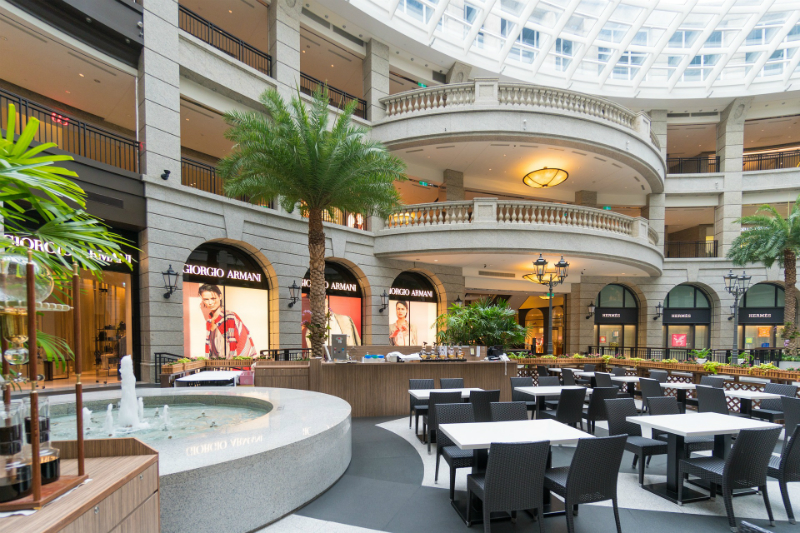 La iluminación adecuada para un centro comercial